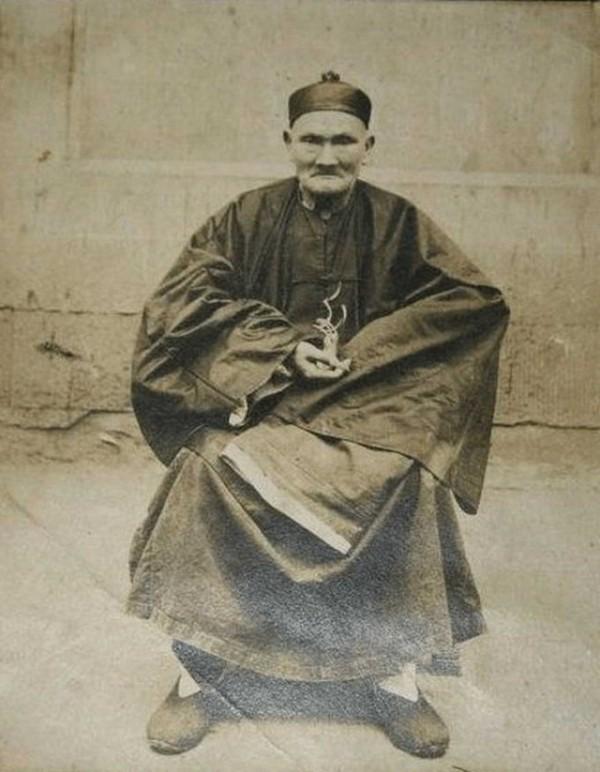 Foto: Li Čching-jün ve svých 224 letech. Foto z roku 1905