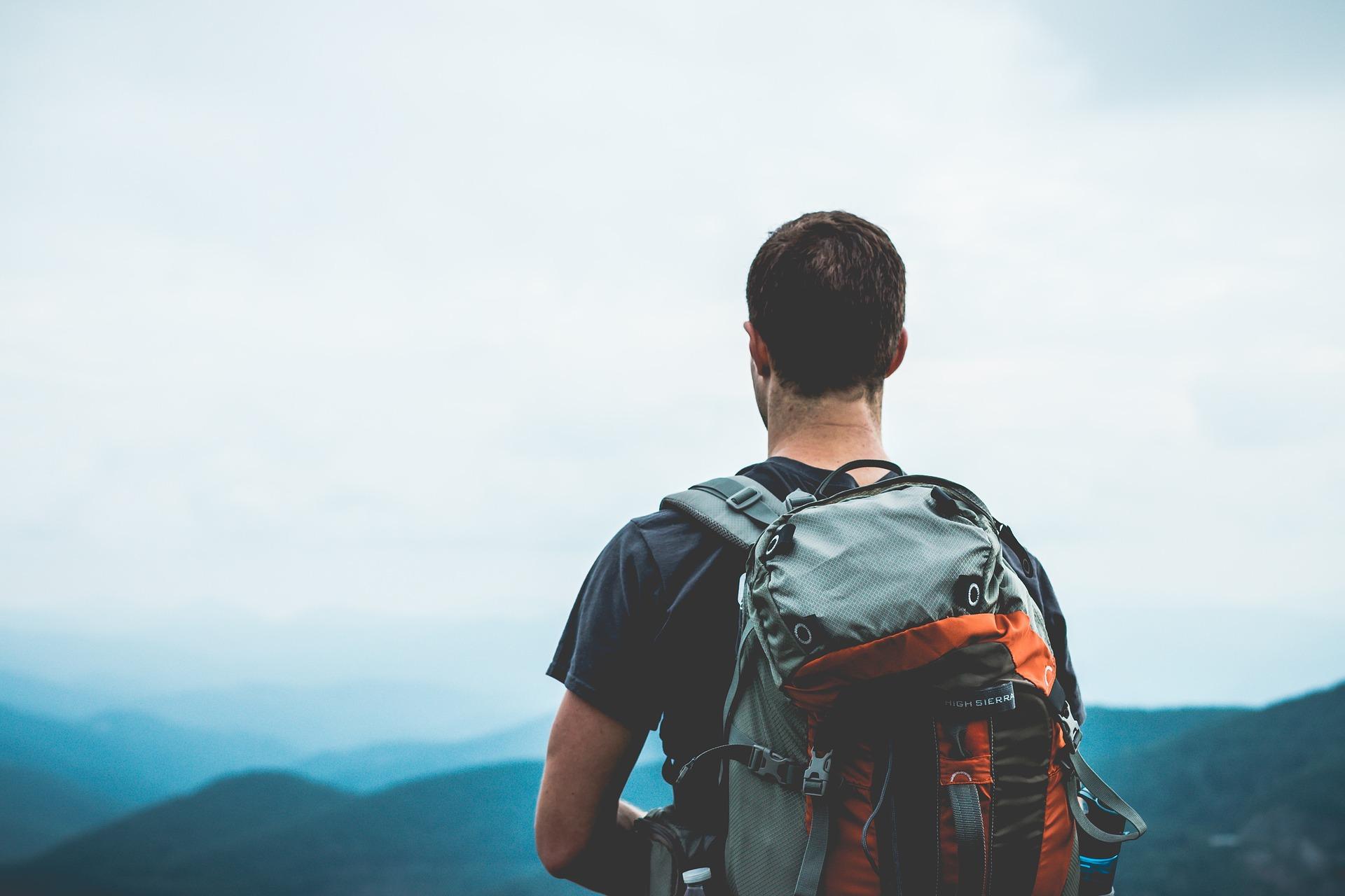 Cestování je pro člověka přínosem v mnoha směrech (Public Domain)